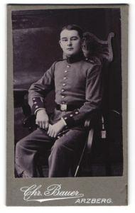Fotografie Chr. Bauer, Arzberg, Portrait Soldat in Uniform mit Schulterklappe 4
