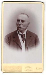 Fotografie A. Excler, Lyon, Portrait älterer Herr mit Schnauzbart