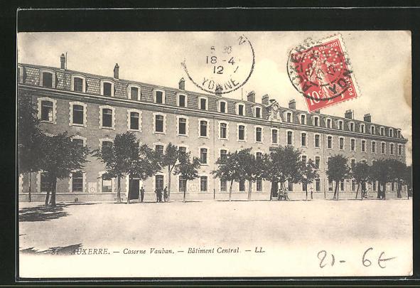 AK Auxerre, Caserne Vauban, Batiment Central