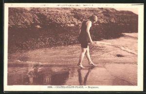 AK Chatelaillon-Plage, Baigneuse, Junge Frau im Badeanzug