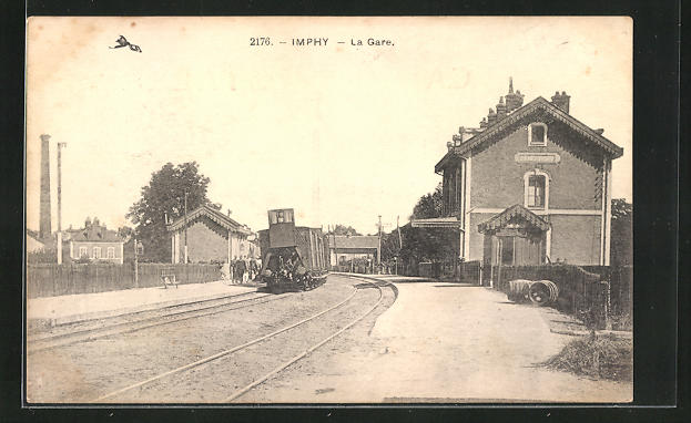 AK Imphy, La Gare, Bahnhof mit Bahnsteig