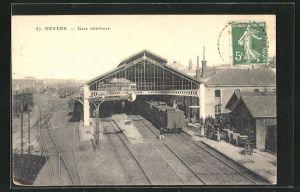 AK Nevers, La Gare, Ansicht vom Bahnhof