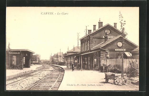 AK Carvin, La Gare, Bahnhof mit Bahnsteig