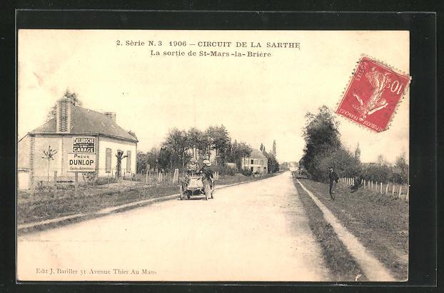 AK St-Mars-la-Briere, Automobil auf der Strasse der Ortschaft, Autorennen Circuit de la Sarthe 1906