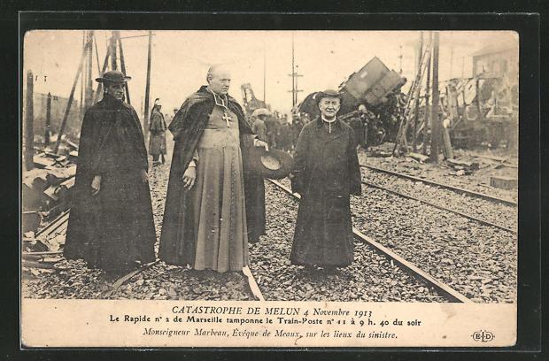AK Melun, Catastrophe 4 Novembre 1913, Monseigneur Marbeau, Eveque de Meaux sur les lieux du sinistre