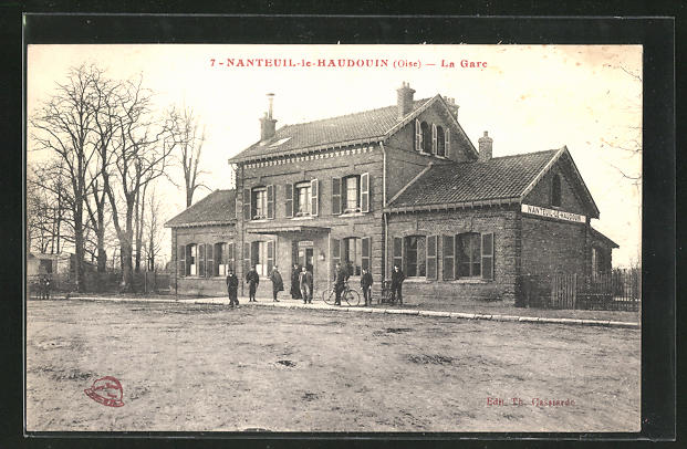 AK Nanteuil-le-Haudouin, La Gare 0