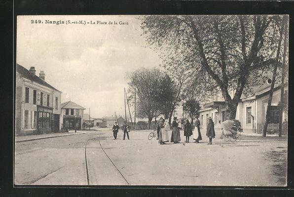 AK Nangis, La Place de la Gare, Bahnhof 0