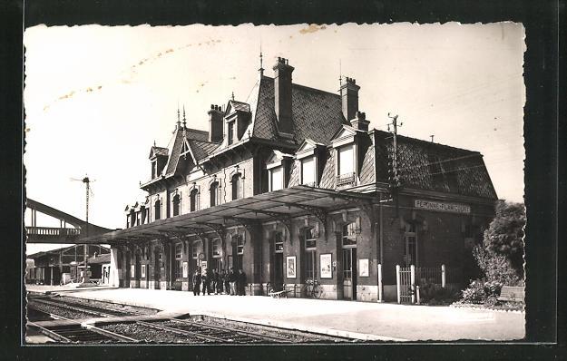 AK Peronne, La Gare, les Quais, Bahnhof 0