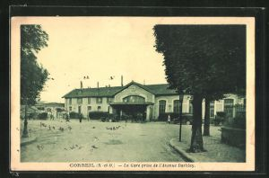 AK Corbeil, La Gare prise de l`Avenue Darblay, Bahnhof