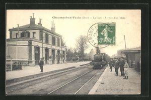 AK Chaumont-en-Vexin, La Gare, Arrivée du train, Zugankunft am Bahnhof