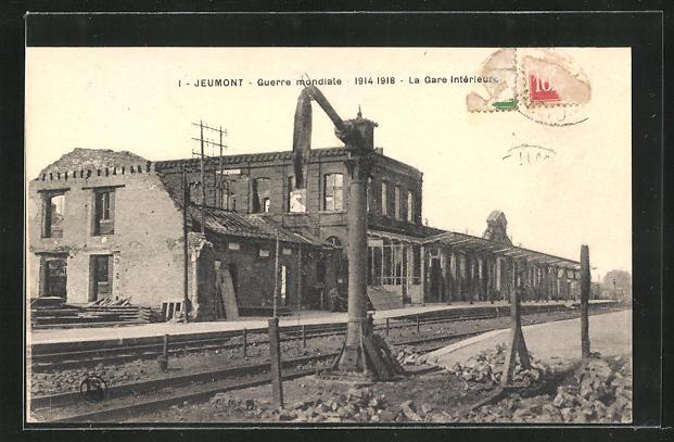 AK Jeumont, Guerre mondiale 1914 - 1918, La Gare Intérieur, Ruine vom Bahnhof
