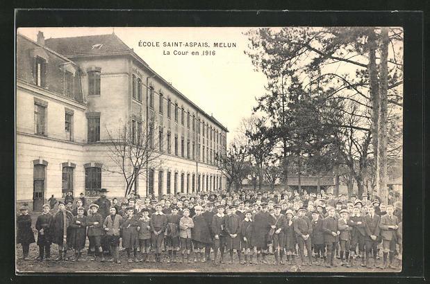 AK Saint-Aspais, Ècole - Melun, La Cour en 1916 0