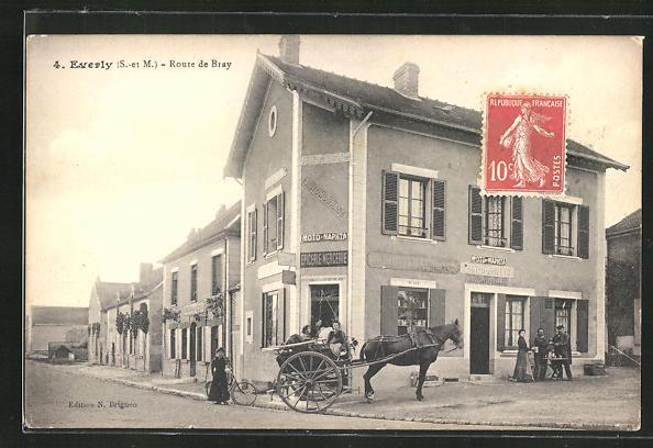 AK Everly, Route de Bray, Strassenpartie mit Pferdekutsche 0