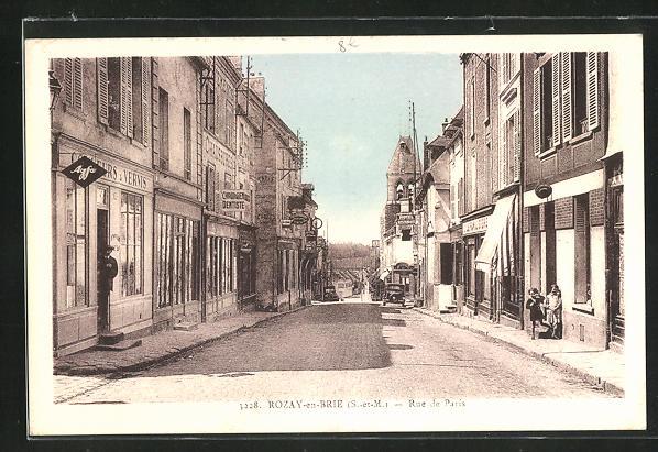 AK Rozay-en-Brie, Rue de Paris, Strassenpartie