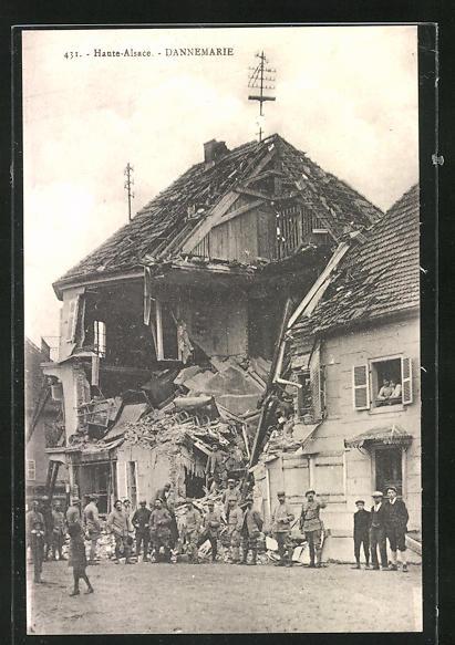 AK Dannemarie, Strassenpartie mit Gebäudeansicht, zerstörtes Haus 0