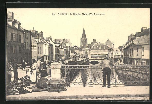AK Amiens, La Rue des Majots 0