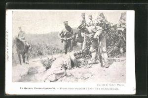 AK Russisch-Japanischer Krieg, Blesse russe recevant a boire d`un soldat japonaise