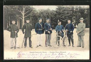 AK Deutsch-Französische Grenze, Soldaten in Uniformen mit Fahrrädern