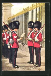 AK London, Changing Sentries at Buckingham Palace, britische Soldaten in Uniformen mit Gewehren