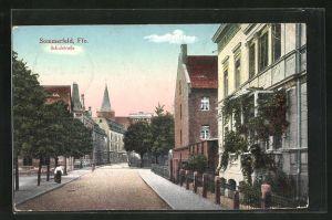 AK Sommerfeld, Schulstrasse mit Passanten