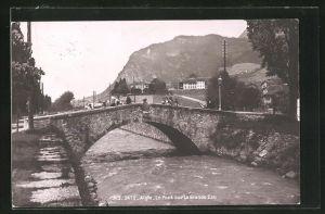 AK Aigle, Le Pont sur la Grande Eau