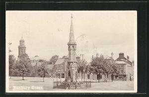 Foto-AK Banbury, Banburry Cross, Teilansicht mit Kirchturm