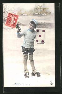 AK Junge auf Rollschuhen hält Brief und Blumen in der Hand