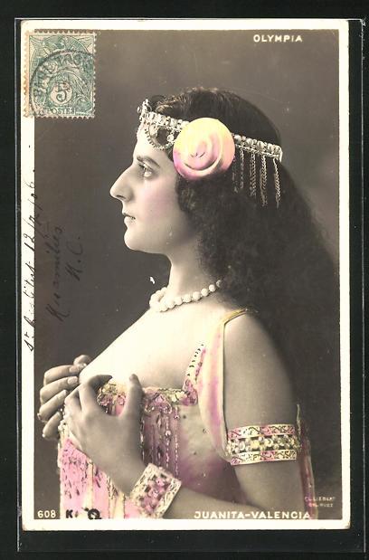 AK Schauspielerin Juanita-Valencia in elegantem Kostüm, Jugendstil 0