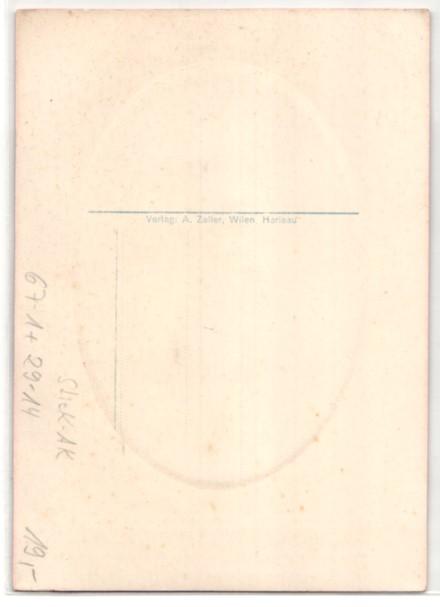 AK Basel, Schweizer Mustermesse 1933, Gestickte Luzernerin in Tracht 1