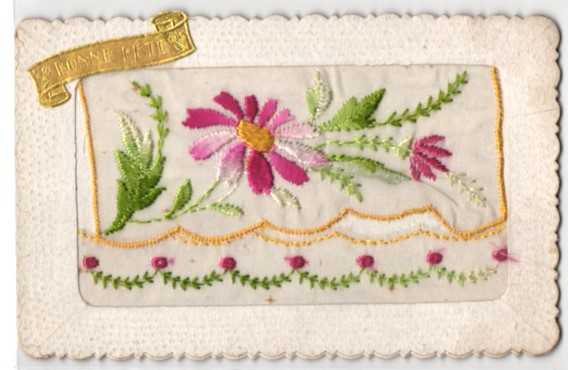 Seidenstick-AK Bonne Fete, Rot und weiss gefärbte Blumen 0
