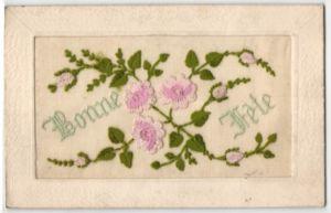 Seidenstick-AK Bonne Fete, Grussbotschaft mit rosa Blumen