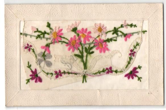 Seidenstick-AK Blumenbestickte Stofftasche, darin eine Grussbotschaft