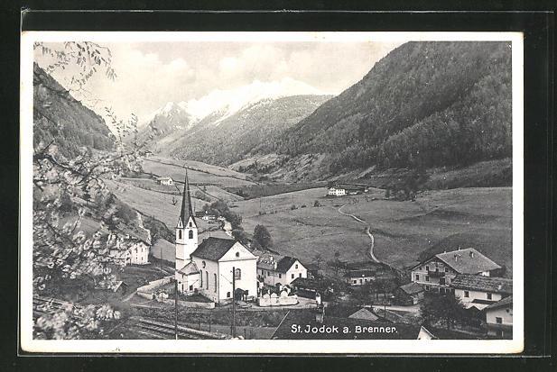 AK St. Jodok, Ortsansicht mit Kirche und Brenner, Umgebung mit Gebirge