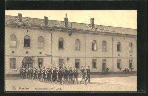 AK Meenen, Regimentschool, 4e Linie, Soldaten in Uniformen mit Gewehren
