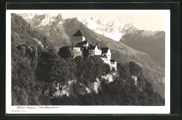 AK Vaduz, Blick auf das Schloss