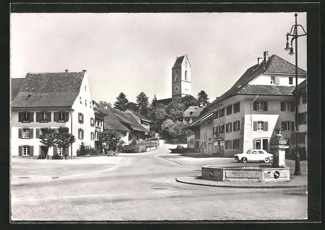 AK Gelterkinden, Ortspartie mit Turm und Brunnen