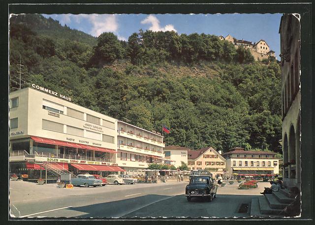 AK Vaduz, Ortspartie mit Blick zum Schloss