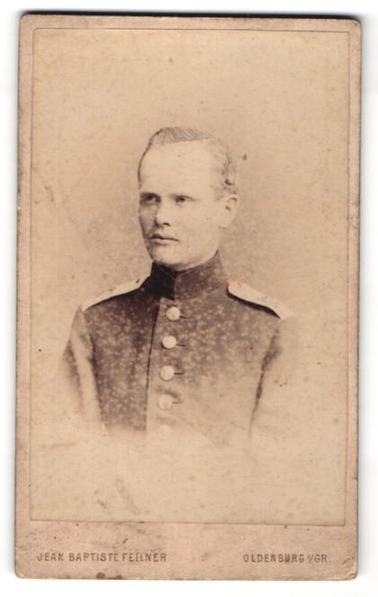Fotografie Jean Baptiste Feilner, Oldenburg i / Gr., Portrait Soldat in Uniform