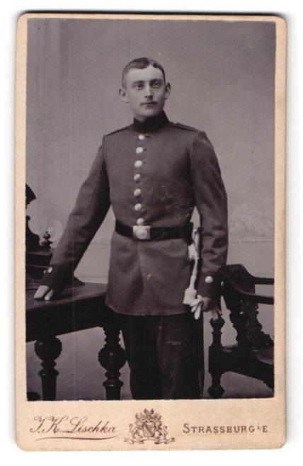 Fotografie I. K. Lischka, Strassburg i. E., Soldat in Uniform