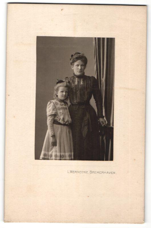 Fotografie L. Wernecke, Bremerhaven, Portrait Mutter und Tochter