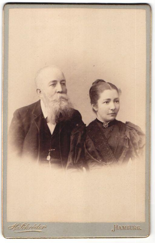 Fotografie H. Schröder, Hamburg, Portrait Herr mit Vollbart und Dame