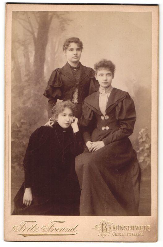 Fotografie Fritz Freund, Braunschweig, Portrait drei junge Damen