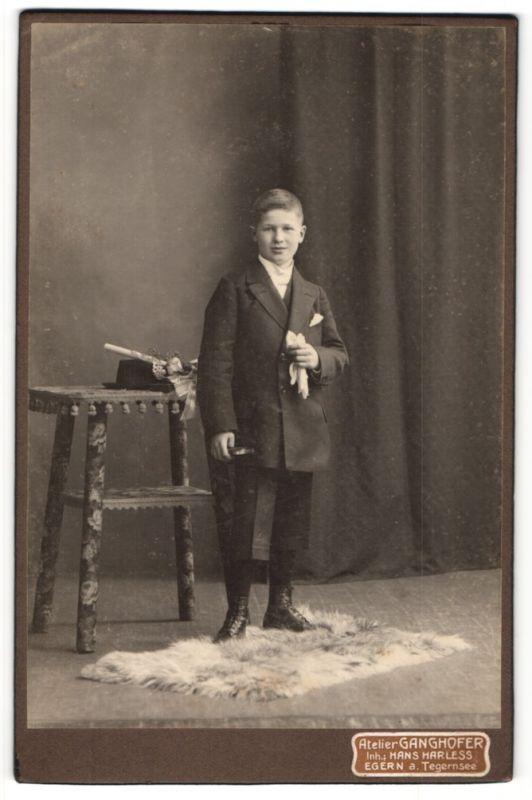 Fotografie Atelier Ganghofer, Egern a. Tegernsee, Portrait Knabe in feierlichem Anzug