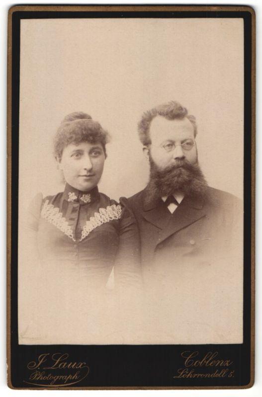 Fotografie J. Laux, Coblenz, Portrait bürgerliches Paar