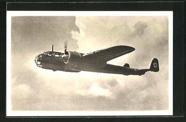 AK Kampfflugzeug Dornier Do-215 in den Wolken