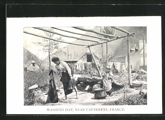 AK Cauterets, Washing Day, Waschfrau