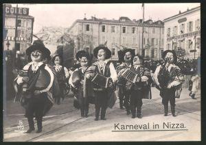 Riesen-AK Nizza, verkleidete Musikanten beim Karneval
