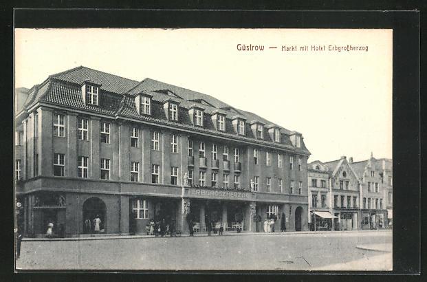 AK Güstrow, Markt mit Hotel Erbgrossherzog