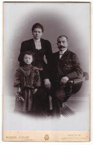 Fotografie Globus Atelier, Berlin-W, Portrait bürgerliche Familie