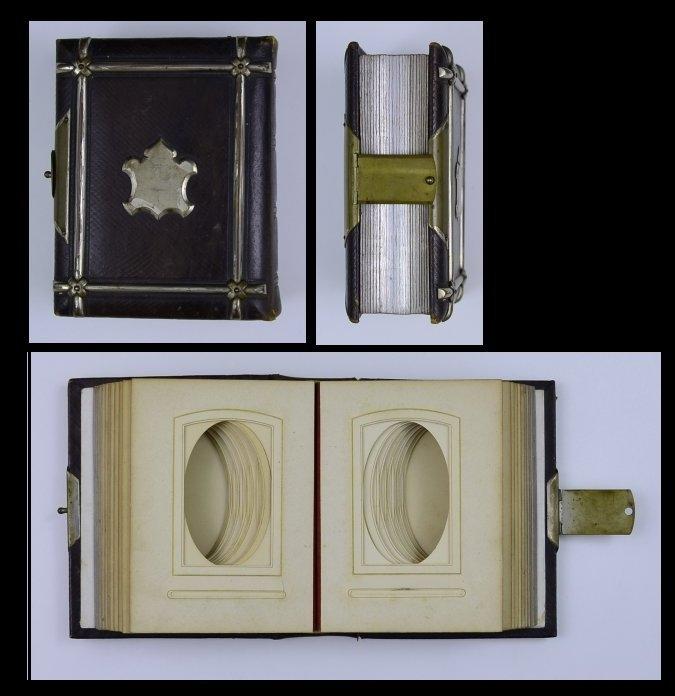 Fotoalbum mit Ledereinband, Metallschliesse, 48 Seiten für CDV - Fotos, Metallbeschlag in Wappenform auf Einband